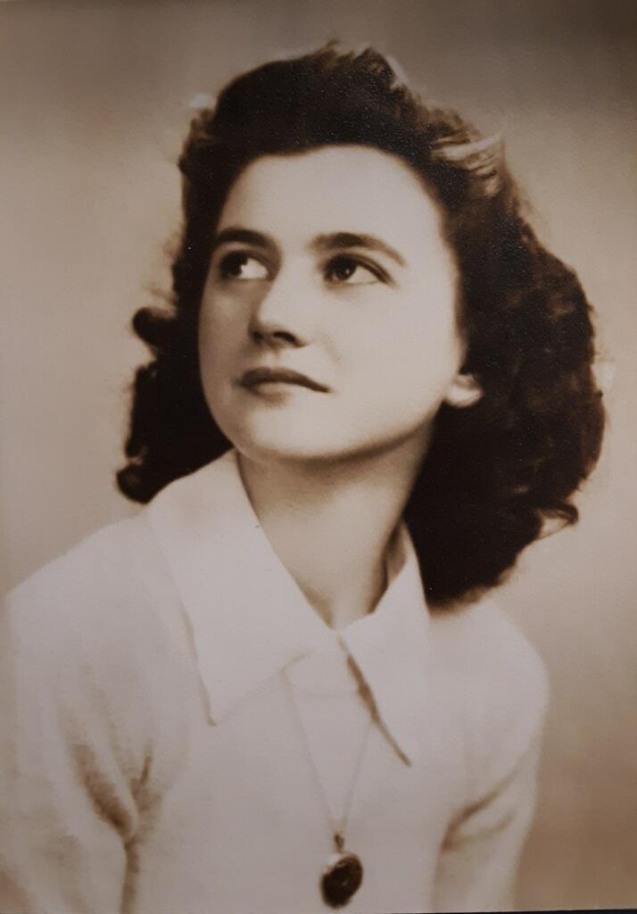 Betty Alice Zwyers